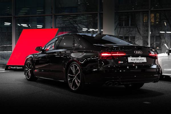 leasing durch leasing bernahme audi s8 plus massage. Black Bedroom Furniture Sets. Home Design Ideas