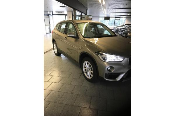 leasing durch leasing bernahme bmw x1 sdrive18d bj 08 2016 in 48163 m nster. Black Bedroom Furniture Sets. Home Design Ideas